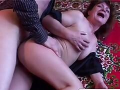 Amateur mature enjoys getting fucked